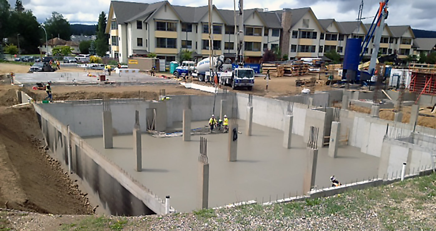 basement cement poured at RiverBend